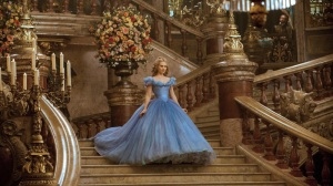 New-official-stills-cinderella-2015-37992763-800-450