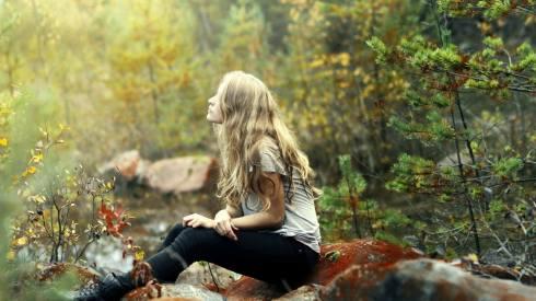 girl_blonde_nature_sitting_stone_69395_1920x1080