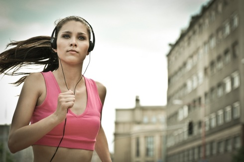 walking-music-to-help-you-stay-active-outdoors2