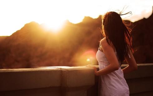 woman-watching-sunset-1920x1200